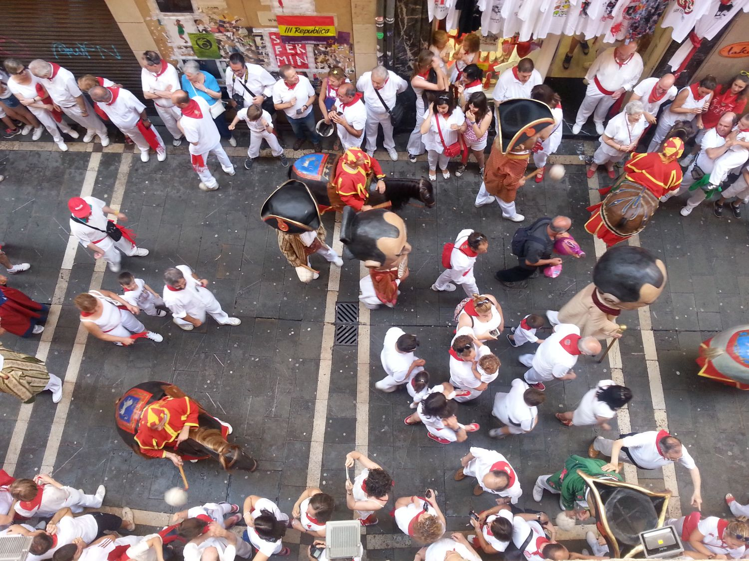 [Spain] Fiesta in Pamplona: the fierce and colorful San Fermin festival